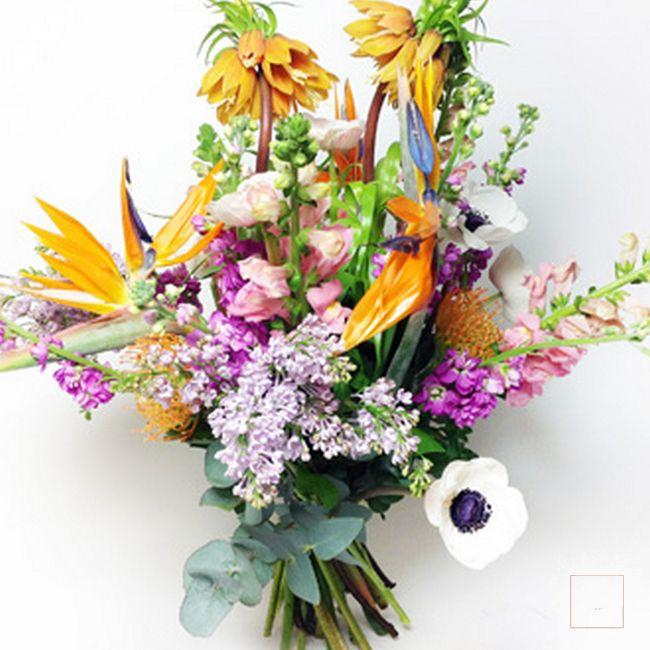 bouquet giungla profumata colori caldi
